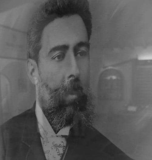 The original hipster beard belongs to José de Sousa