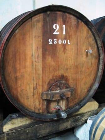 Old, large wood - toneis - at Quinta das Bageiras